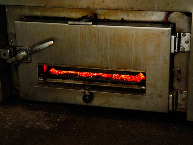 燻製 生ベーコンの製造過程